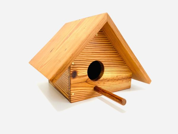 casa de passarinho corruira pinho de riga https://www.loja.decorurbano.com.br/product/casa-de-passarinho-corruira/