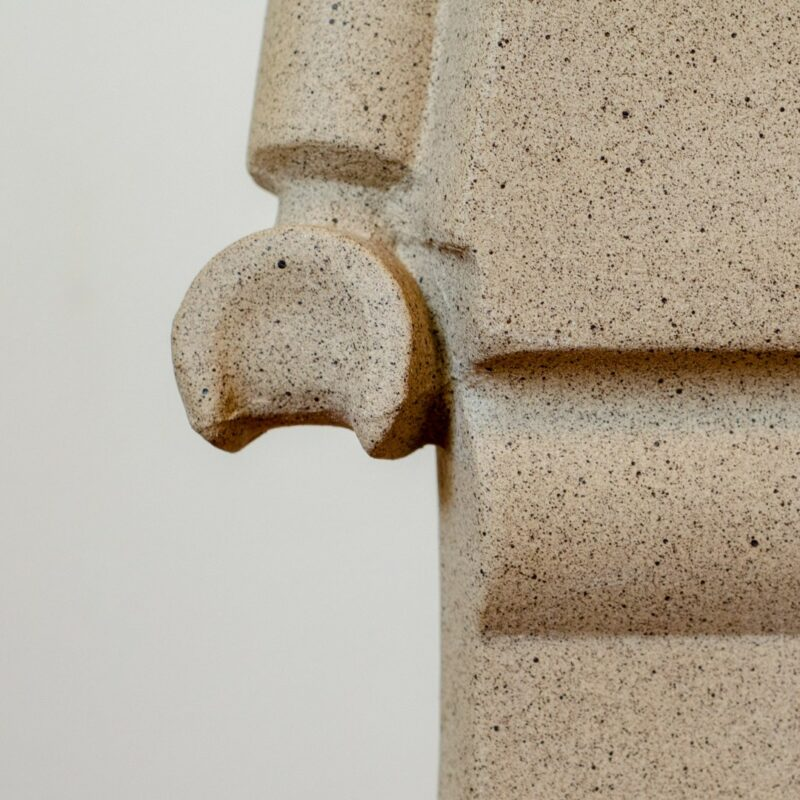 DSC 0328 Astronauta  A luminária Astronauta foi inspirada no boneco minifigure da lego. Quando usada na decoração de ambientes ela desperta no observador boas memórias, transportando o para o universo afetivo da infância.  Prazo de envio: Como todas as peças são feitas artesanalmente, pedimos até 20 dias de prazo para que as peças sejam preparadas e entregues aos Correios (não inclui o tempo do frete).